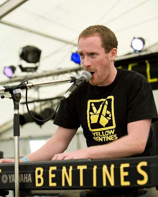 #livemusic #yellowbentines #scottishmusic #piano #livepiano #singing #bentines