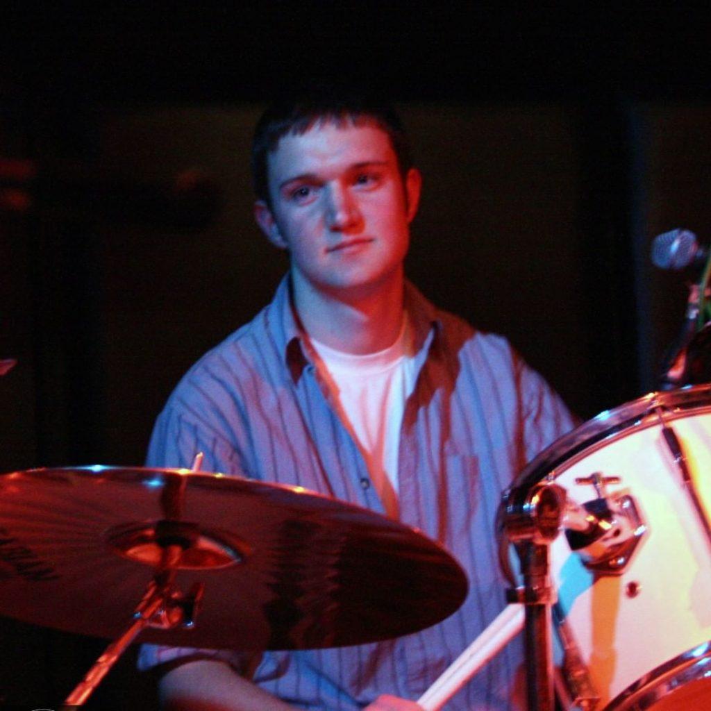 yellow bentines Drummer.. DRUMMER! #drummer #drums #yellowbentines #scottish #scottishband #scottishmusic #gig #scottishgig #musicinscotland #drummerlife #sticks #playingagig #henrynoodshenry