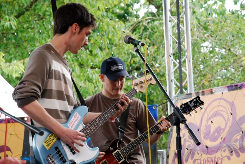 yellow bentines Super Guitar Bros. #guitar #guitarist #bass #bassist #yellowbentines #scottish #scottishband #scottishmusic #scotland #connectfestival #scottishfestival #scotrock #brothers #galbraith #gigging #livemusic #livegig #live #playinglive #playingmusic #music #rock #letsrock