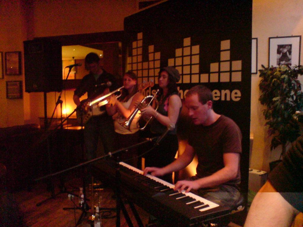 yellow bentines Playing The Beanscene #yellowbentines #scottishband #scottishmusic #brass #trumpet #piano #bass #acoustic #live #livegig #livemusic #playing #scotland
