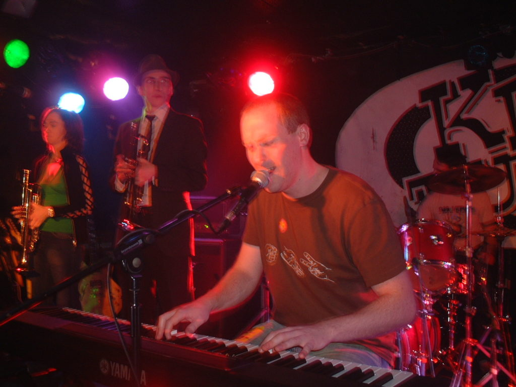 yellow bentines, live music, glasgow band, glasgow gig, piano, piano band, trumpet, drums