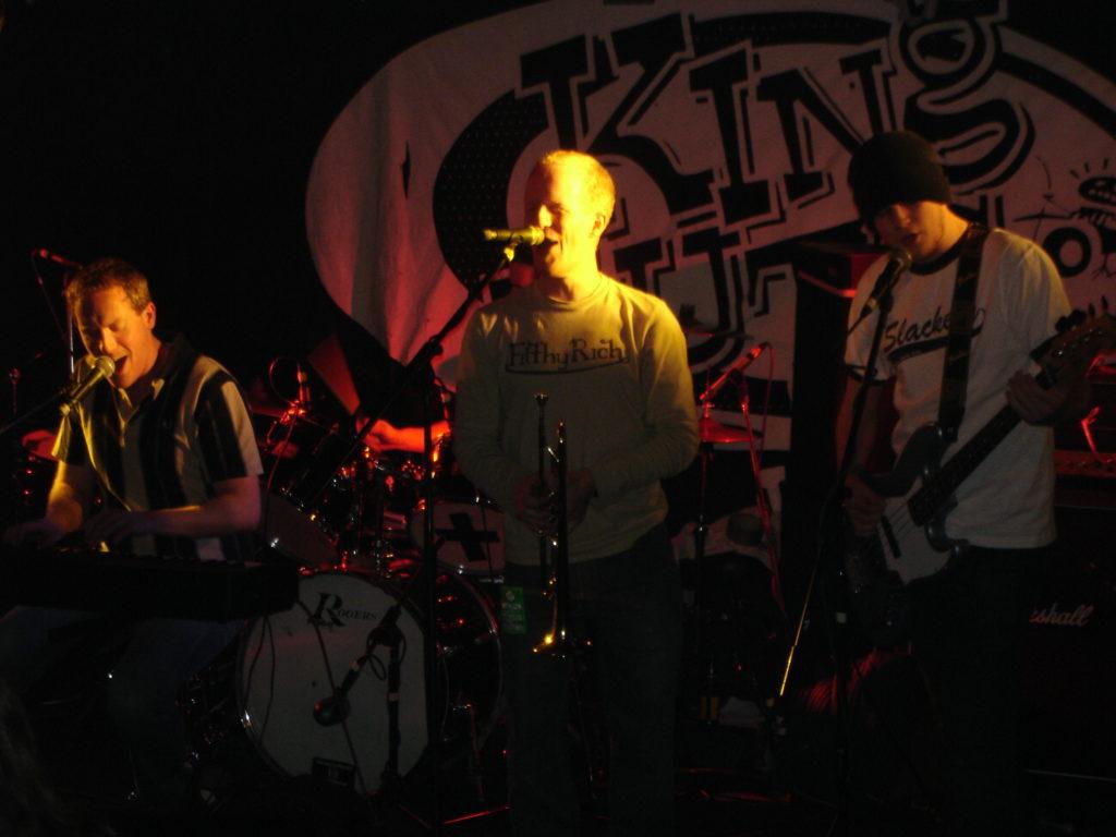 yellow bentines Get Out! #yellowbentines #music #kingtutswahwahhut #live #livemusic #scottish #scottishband #scottishmusic #glasgowband #glasgowmusicscene #trumpet #piano #bass #bassguitar #drums #gig #gigging